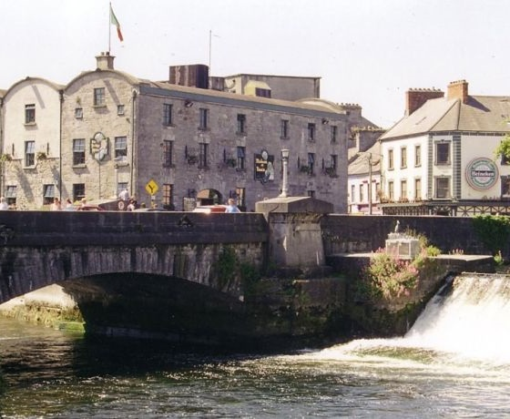kurzy angličtiny v Bridge Mills Language Center, Galway