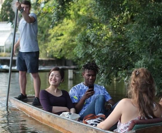 pihenés az angol lecke után, Oxford, BSC