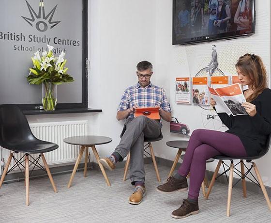 az angol órára várva, British Study Centre Oxford, Anglia